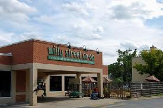The Willy Street Co-op moved across the street into the bowling alley location