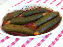 Stuffed Courgette in Tomato Sauce with Garlic
