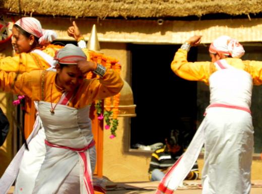Artist performing at Natyashala, SUrajkund Mela