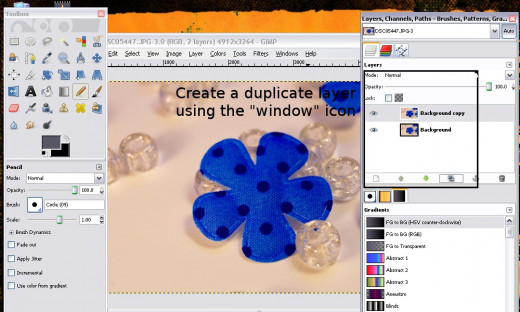 You'll need to create a duplicate layer.  Use the right-hand task pane to create a new layer.