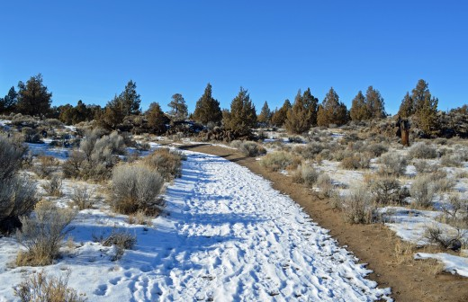 Dry River Bed Trail is an easy route to follow in Badlands.