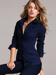 A great example for a blouse with nice waistline