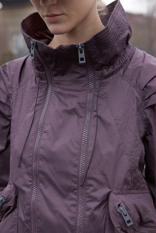 Trendy women's running gear is all about the details.