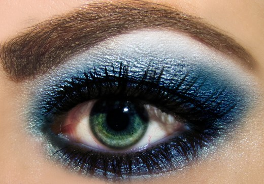 Nightclub Eye Makeup: Ocean Blues