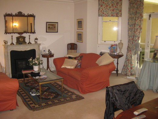 Weekly Rental in The Earl's Court Neighborhood of London for less than the cost of three nights at a hotel.