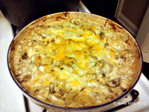 Creamy Mushroom and Hamburger Macaroni and Cheese