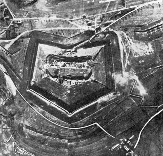 A German aerial photograph showing how Fort Douaumont looked prior to the battle.