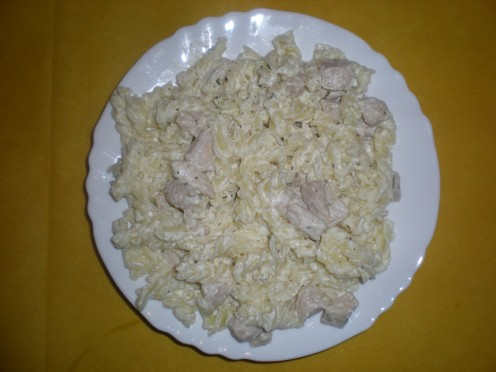 Pasta With Chicken and Sour Cream