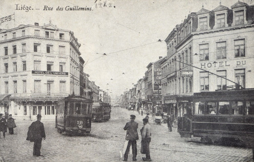 Trams in the Guillemins district, Liège, at the beginning of the 20th century.