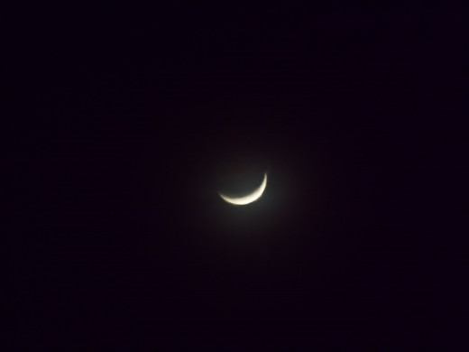 A new moon crescent in January