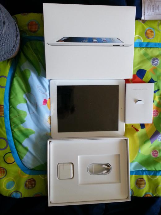 iPad 4 box Contents
