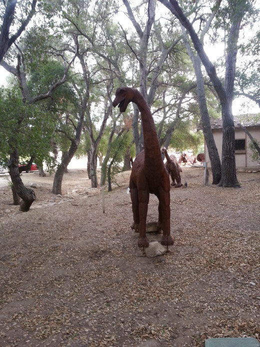 Sculptor  Ricardo Breceda's art at Vail Lake displayed until February 2013 in Temecula, CA