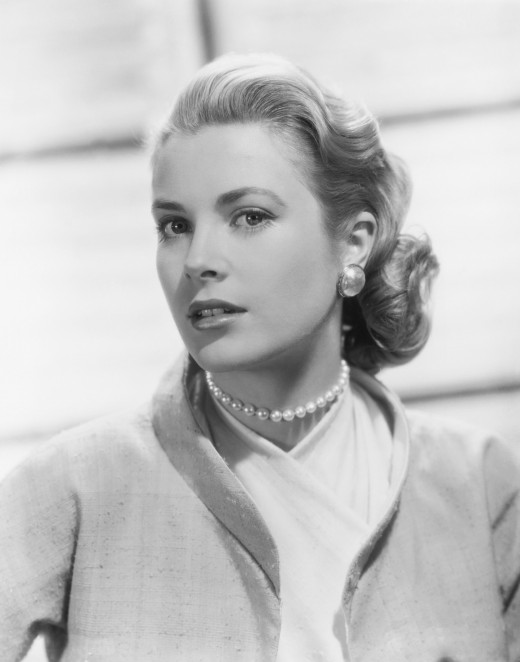 Leading lady style and grace is epitomized by actresses such as Grace Kelly.