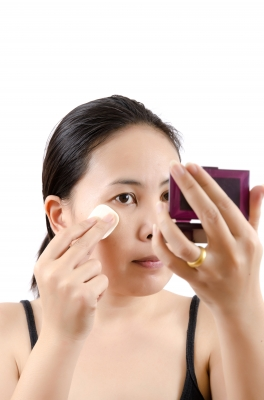 keep an eye out for any strange smell or pigment change with foundation.
