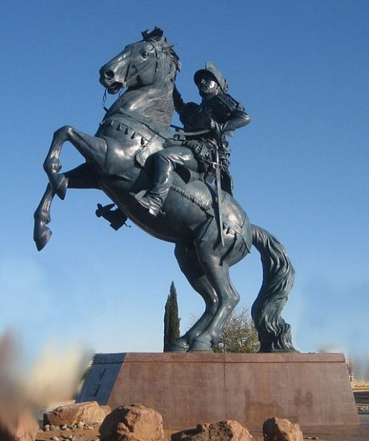 Pictured: Bronze statue of Juan de Oñate, who founded Spanish New Mexico in 1598. Not Pictured: Comanche warriors plundering Spanish New Mexico over a century later.