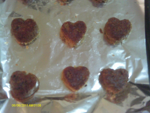 Make heart shaped muffins with silicone muffin form.