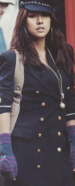 Hyori Lee knows about fashion.