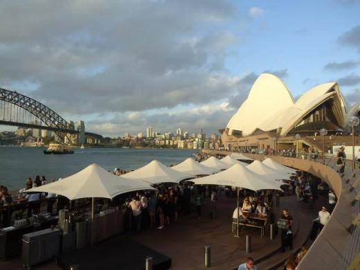 Circular Quay: Sydney Opera House & Harbour Bridge