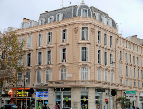 Cannes - the Germain Building, n°1, Boulevard Carnot, the former 'hôtel du Louvre'.