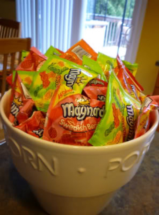 A bowl of delicious sour candy treats.