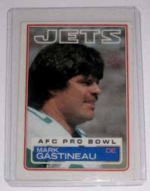 Mark Gastineau played professionally for the New York Jets and he also boxed as a pro boxer. He had zero success in the squared circle.