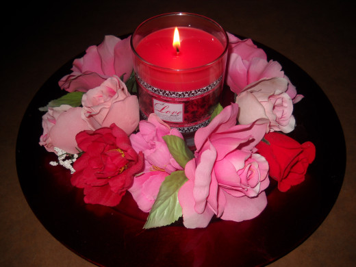 Red Charger, candle and roses,,,