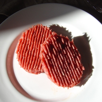 100% beef burgers bought in a French supermarket. How do I know what is really in these burgers?