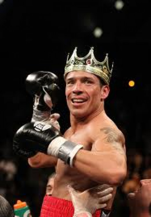 Sergio Martinez is one of the best boxers to ever come out of Argentina. He was very fast and had superb reflexes in his prime.