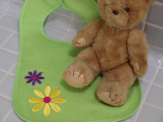 How to Sew an Applique on a Baby Bib
