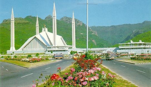 Faisal Mosque Islamabad, less a building and more of a beautiful work of art, with Margalla hills in the backdrop.