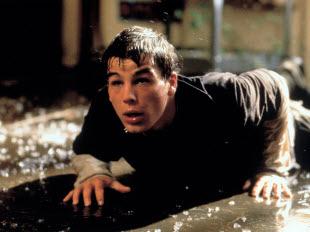 "Josh Hartnett in ""The Faculty"""