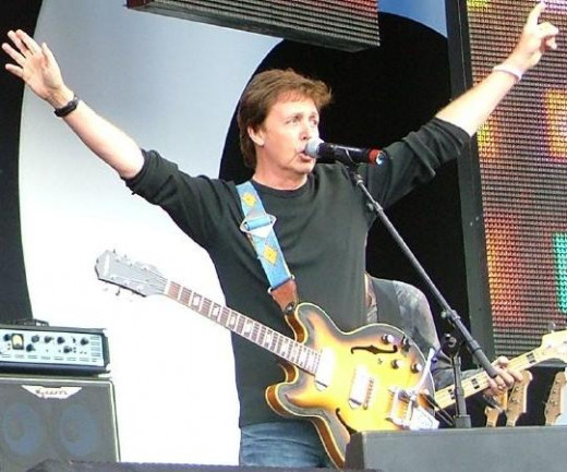 Sir Paul and left handed guitar!