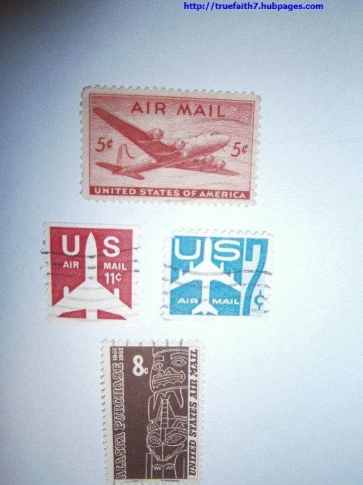 Various US airmail stamps of the 1940s-60s.
