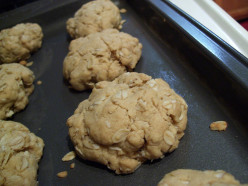 How to Make Easy Chewy Peanut Butter And Oatmeal Cookies
