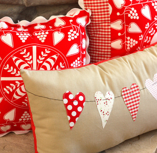 Heart Bunting Pillow Sewing tutorial