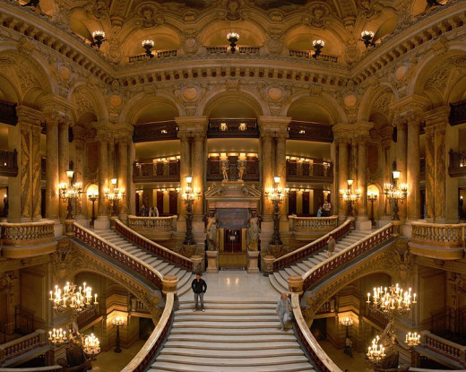 Benh Lieu Song photographed the Grand Staircase of Opéra Garnier (Paris Opera House) on September 29, 2007.