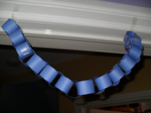 Paper chain tutorial: the finished product