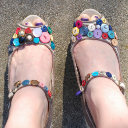 Add buttons to your shoes for a cute new look. CC BY-SA 2.0, via Flickr.