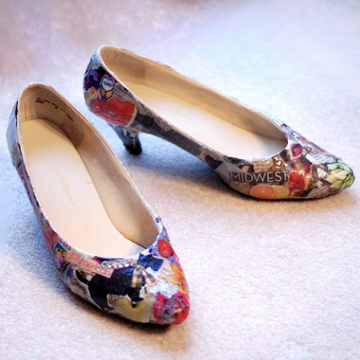 Decoupaged shoes. CC BY-SA 2.0, via Flickr.