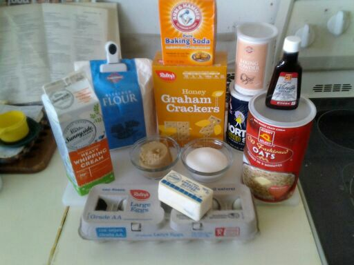 Needed ingredients for oatmeal graham cracker cookies.