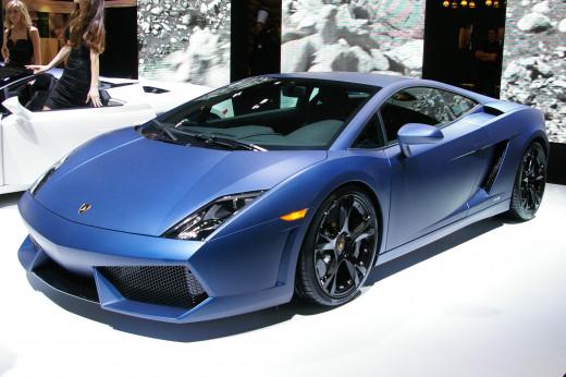 Lamborghini with Matte Blue Vinyl Wrap