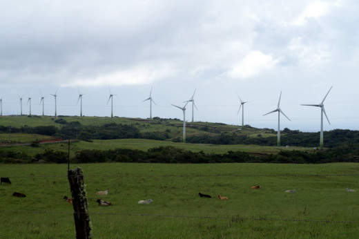 The power generation wiindmills (energía aeolica) on the windy west flank of Volcano Miravalles.