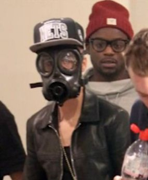 Justin Bieber is not smoking here