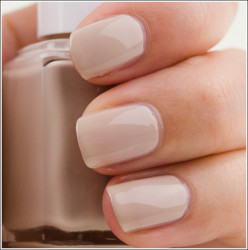Nail Polish Color Trends for Spring 2013