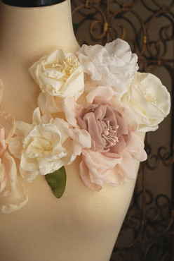 Tips for Wearing Flower Fashions