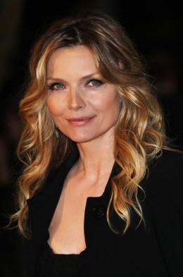 Michelle Pfeiffer Goggle image
