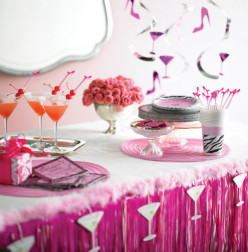 How to Throw a Sassy & Sweet Bachelorette Party