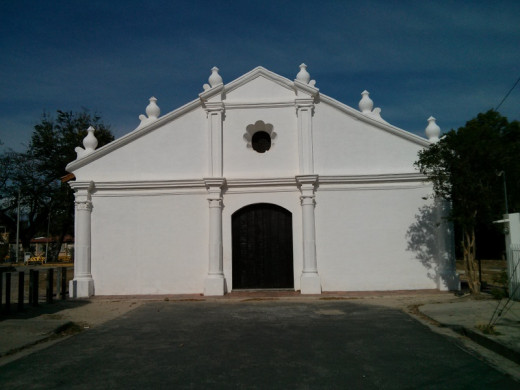 The La Hermita de La Agonia church in Liberia.  Photo taken at 1 PM in the afternoon.