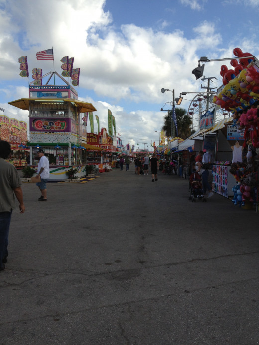 The midway has plenty of food options.  It may take you awhile to decide upon what to eat.  Don't forget to try the fried pickles!