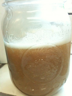 Homemade Natural Sweetener: Date Syrup